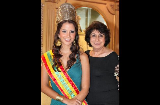 Señorita Cartagena en Joyería Nancy