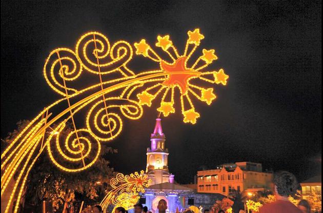 Getsemaní iluminado y embanderado