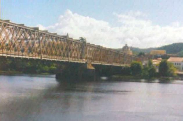 El río Paraguaçu  y el puente D. Pedro II., en Cachoeira.
