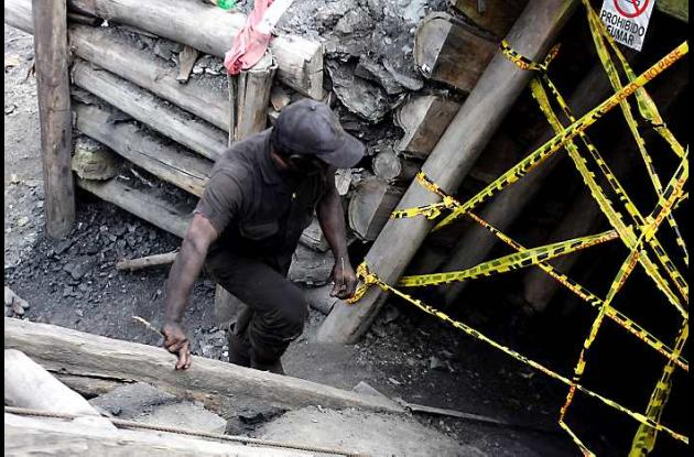 Mueren tres hombres en mina de carbón