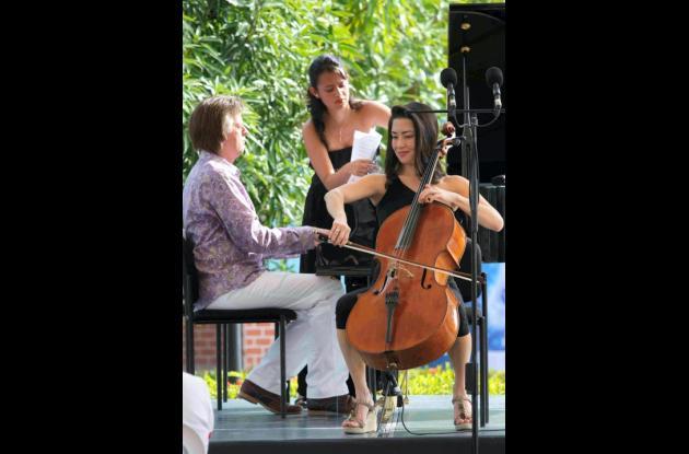 El pianista Stephen Prustman y la cellista  Kristina Reiko Cooper.