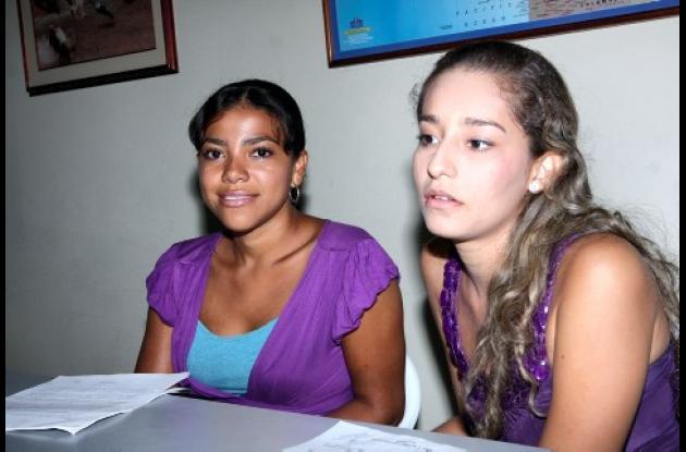 Yarelis Del Río y Enith Tapias, estudiantes de la Universidad de Cartagena, que lideran la tutela a favor de habitantes de Torices.