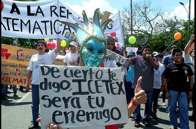 Protesta de estudiantes por reforma a la Ley 30
