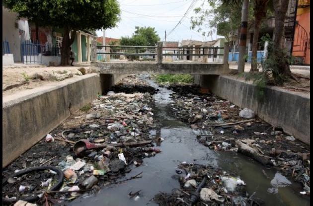 Hasta hace tres meses, el estado del canal Amador y Cortez era la preocupación de los vecinos, quienes ya no soportaban los olores nauseabundos.