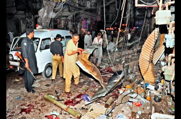 Atentado de dos explosiones en Pakistán