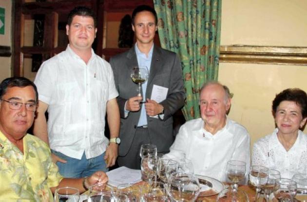 Cata de vinos en la Enoteca
