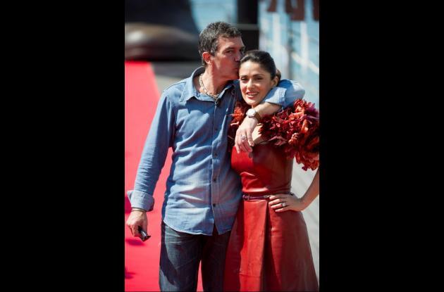 Antonio Banderas y Salma Hakek
