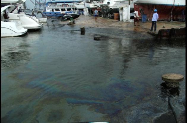 Los pescadores pidieron a la autoridad ambiental investigar a fondo.