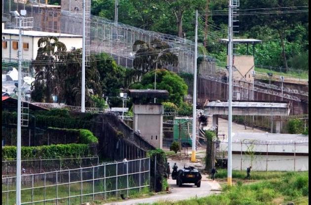Controlada cárcel El Rodeo en Venezuela