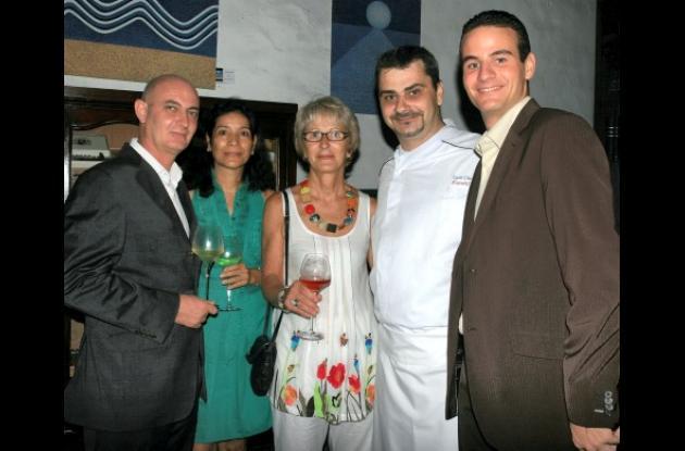 Pascal Dardenne, Trinidad Dardenne, Naarou Cheminot, el chef ejecutivo del Santa Clara, Cyril Cheminot y Romain Fontrel.
