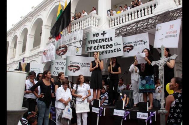 Marchas y campañas contra violencia sexual y maltrato a la mujer