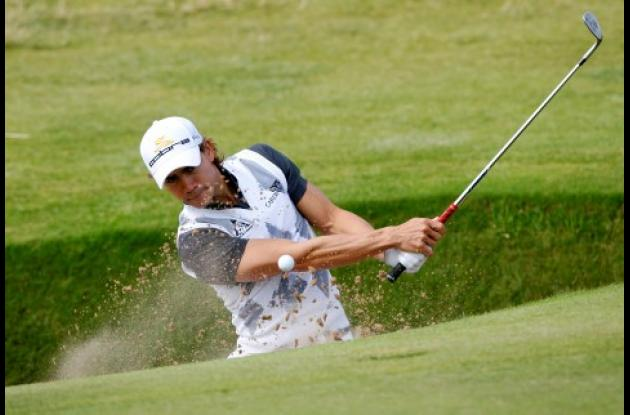 El colombiano Camilo Villegas durante la sesión de prácticas ayer previo al inicio hoy del Abierto Británico de Golf.