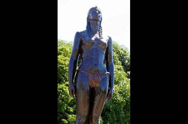 Monumento a la India Catalina en Santa Catalina.