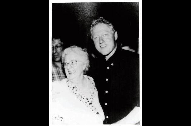 El presidente Bill Clinton y Dorothy de Espinosa