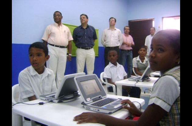 Los menores de la Institución Educativa Rafael Núñez tienen ahora la oportunidad de recibir sus clases de una forma más dinámica.