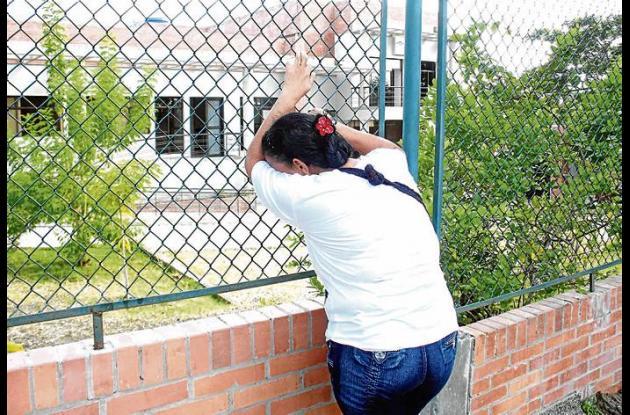 Luz marina Díaz no ha parado de llorar la muerte de su hijo, el 'Sayayín'.