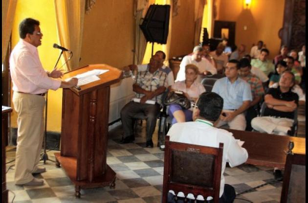 Alberto Bernal presentó el proyecto de reestructuración de la gobernación