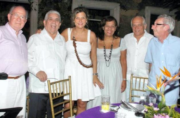 Canta Linda Fálquez