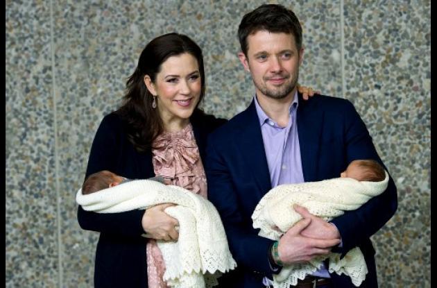 El príncipe Federico, de Dinamarca, y su esposa Mary
