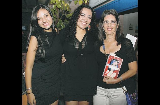 Lanzan libro de Claudia Ayola