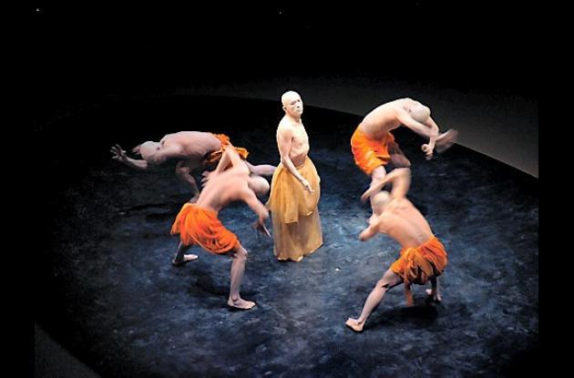La compañía teatral Sankai Juku