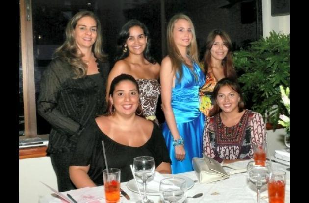 Irene Gutiérrez, Ana Milena Díaz,  Vanessa García Borda, Julieth Alarcón, Natalia Borge y Daniela Morad.
