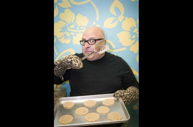Brownies y pastel de pollo: libro revive talento culinario de las estrellas