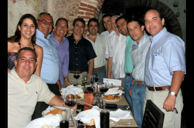 Alberto Baladi, Mayra Martínez, Marco Vásquez, Aníbal Baladi, Roberto Gedeón Juan, Omar Char, Joaco Martínez, Roberto Gedeón, Rodrigo Vargas, Julio Morales y Arturo Acero.