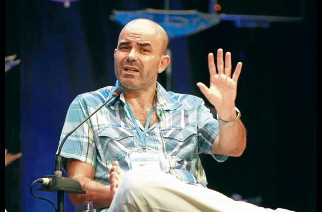 El escritor Eduardo Sacheri en su intervención en el Cartagena Hay Festival.
