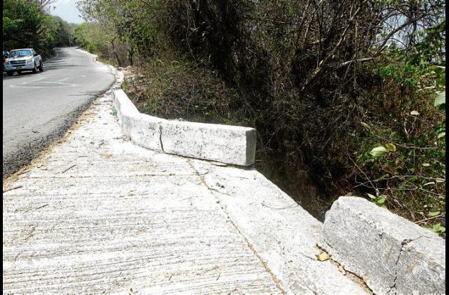 Hundimientos vía Cerro de la Popa
