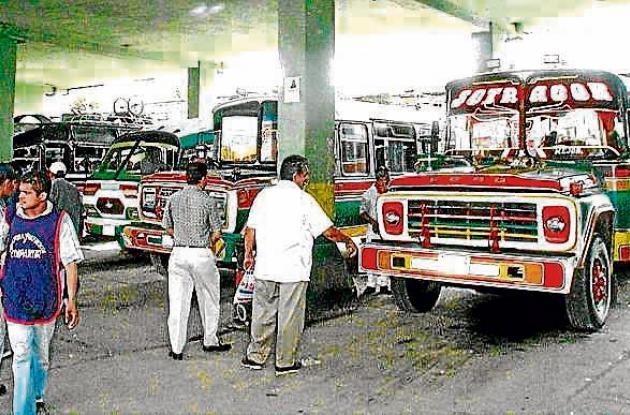 Los buses interveredales tendrán que llegar a la terminal de transportes.
