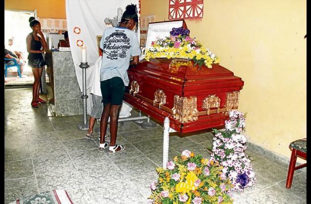 El cuerpo de Luis llegó a Cartagena el sábado en la tarde. Hoy lo entierran en e