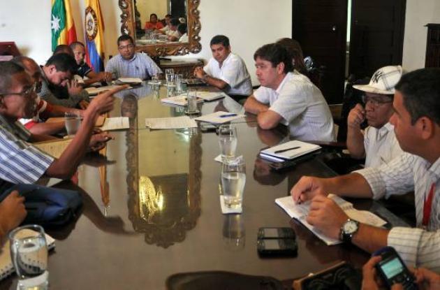 reunión alcalde y líderes de el pozón
