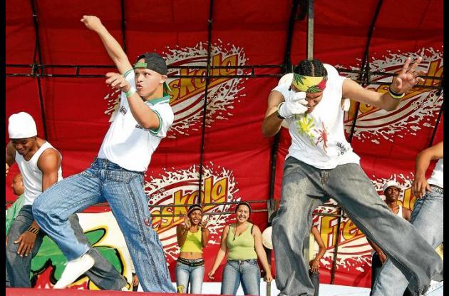 Grupo Raza Latina.