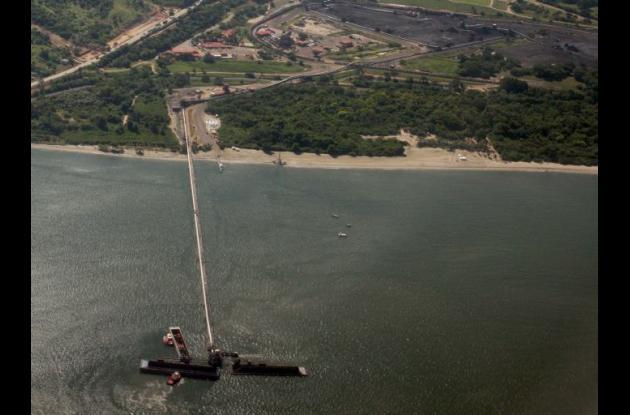 Drummond vertimiento de carbón en Santa Marta