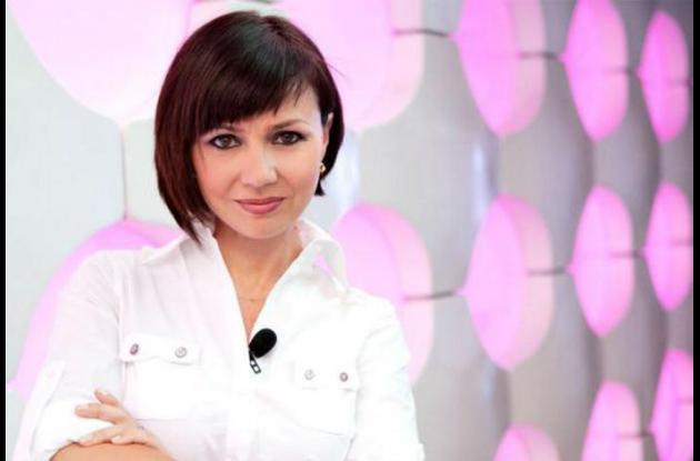 Elena Alfaro, doctora enCum Laude en Marketing.