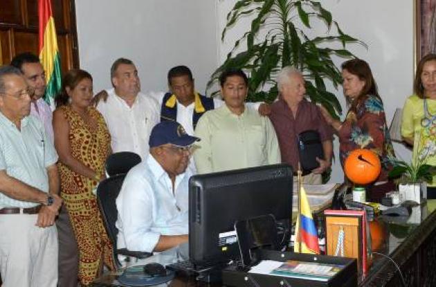 Gabinete distrital y el alcalde Campo Elías Terán.