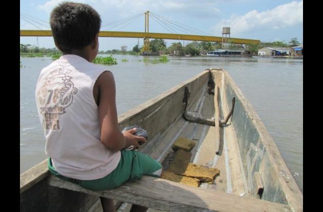 La construcción del nuevo puente, que reemplazará a la estructura existente, imp
