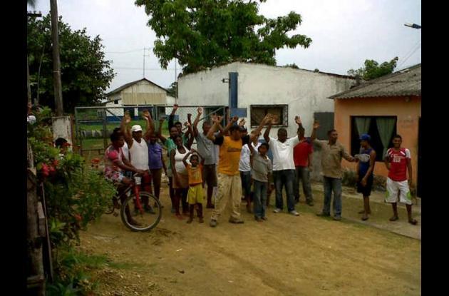 Habitantes de Gambote solicitan apoyos económicos para arriendos y mejora de viv