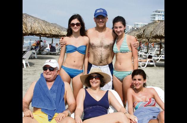 Por las playas del Hotel Las Américas y Castillogrande