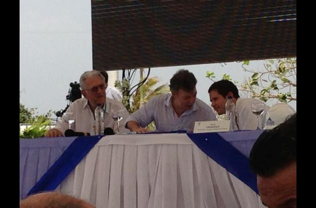 El presidente Juan Manuel Santos hace presencia en la inauguración.