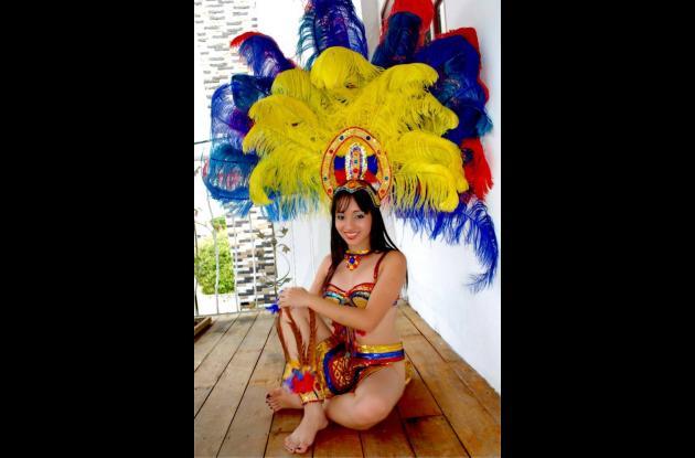 Sheila Andrea Ulloque, reina de las fiestas.