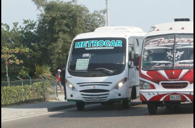 Oficializan incremento de tarifas de buses y busetas del transporte público.