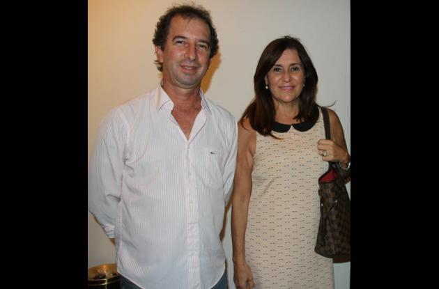 Vicente Azuero y Luz Helena de Azuero.