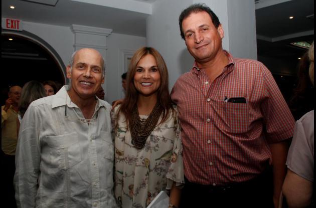 Ricardo Vélez, Consuelo Abondano y Rafael Abondano.