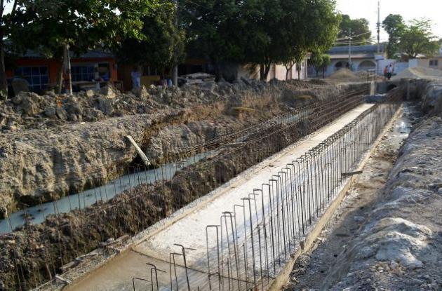 el canal Paraguay en el barrio El Bosque.