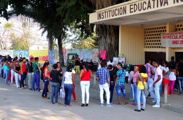 En el Colegio Departamental de Bachillerato Femenino Nuestra Señora del Carmen, avenida Pedro de Heredia sector Escallón Villa, deben asistir los interesados en vincularse al programa Trabajemos Todos.
