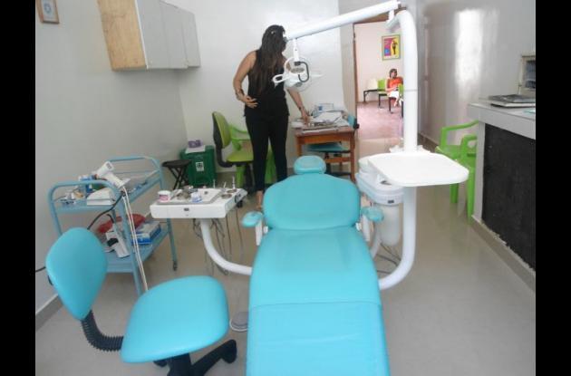 El nuevo equipo odontológico mejorará la atención a los usuarios, dijo Esmeralda Ballestas Larios, gerente ESE de Zambrano