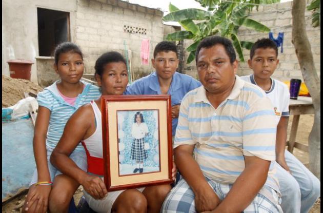 La familia Muñoz Rodríguez está conformada por José, Gloria y cinco hijos, que viven en apremiantes condiciones económicas.