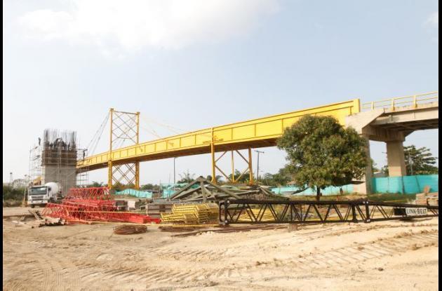 El actual puente de Gambote ya no será utilizado por su agotamiento estructural. Se había dicho que este sería instalado entre Soplaviento y Arenal.
